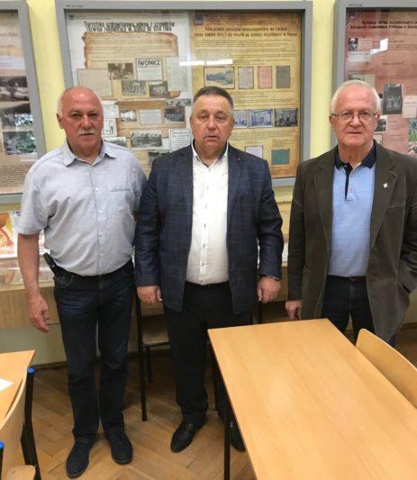 Із польськими колегами (зліва направо): доктор Леслав Ляссота, професори Микола Лук'янченко та Станіслав Заборняк