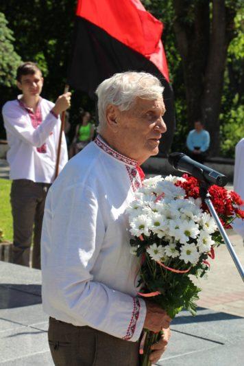 Слова пам'яті виголошує онук Каменяра Роланд Франко