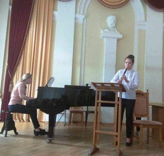 Соломія Добрянська (фортепіано), Марта Джигола (кларнет)