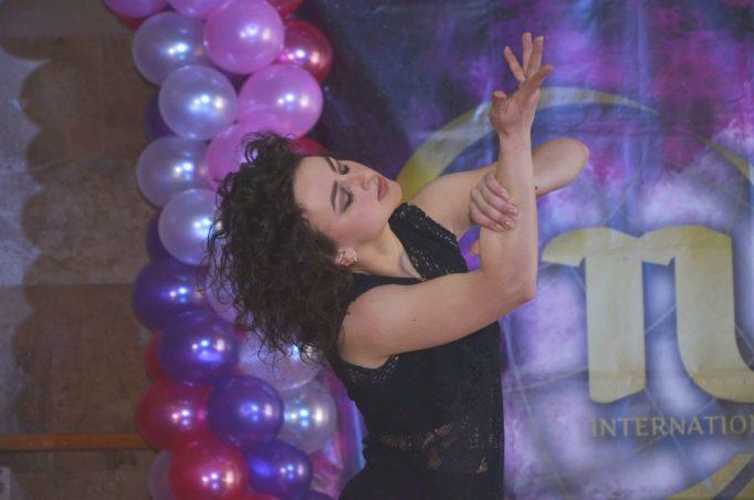 Танцює Марта Мусійчук (студентка групи ХХК - 26)