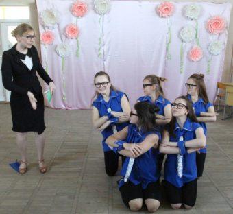 Танець «Вчителька» у виконанні студентів-хореографів