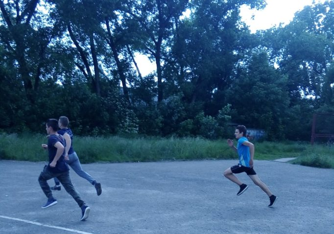 Бiг 200 м серед чоловiкiв