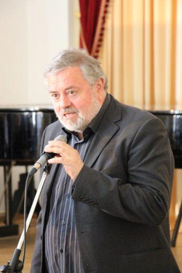 Вітальне слово виголошує голова журі Володимир Зубицький