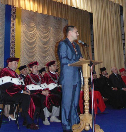 Вітальне слово виголошує народний депутат України Богдан Матківський