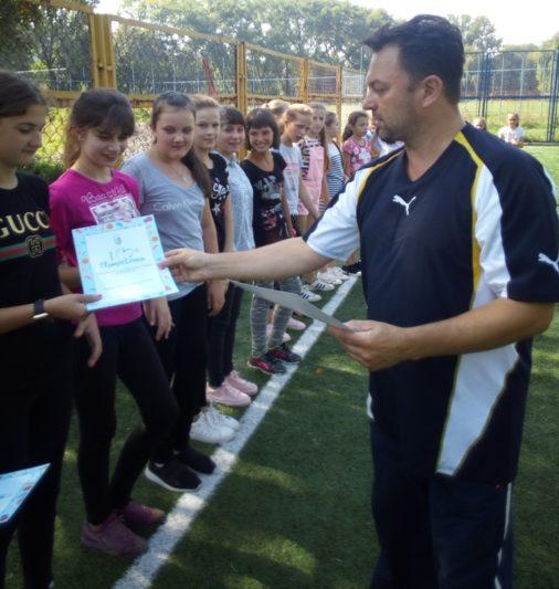 Вручення сертифiкатiв про участь в Олiмпiйському уроцi