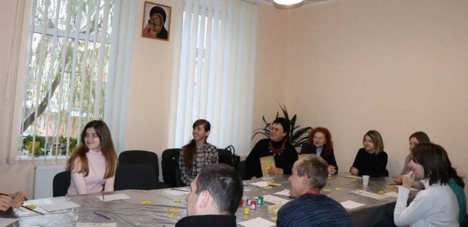 Початок майстер-класу в товаристві захисту дітей-інвалідів «Надія»