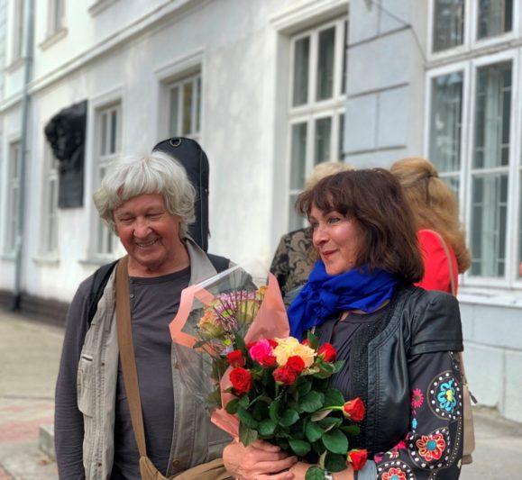 Творче подружжя - Iгор Жук та Iрен Роздобудько